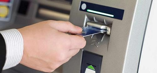 Hạn chế khi rút tiền mặt thẻ tín dụng ở cây ATM