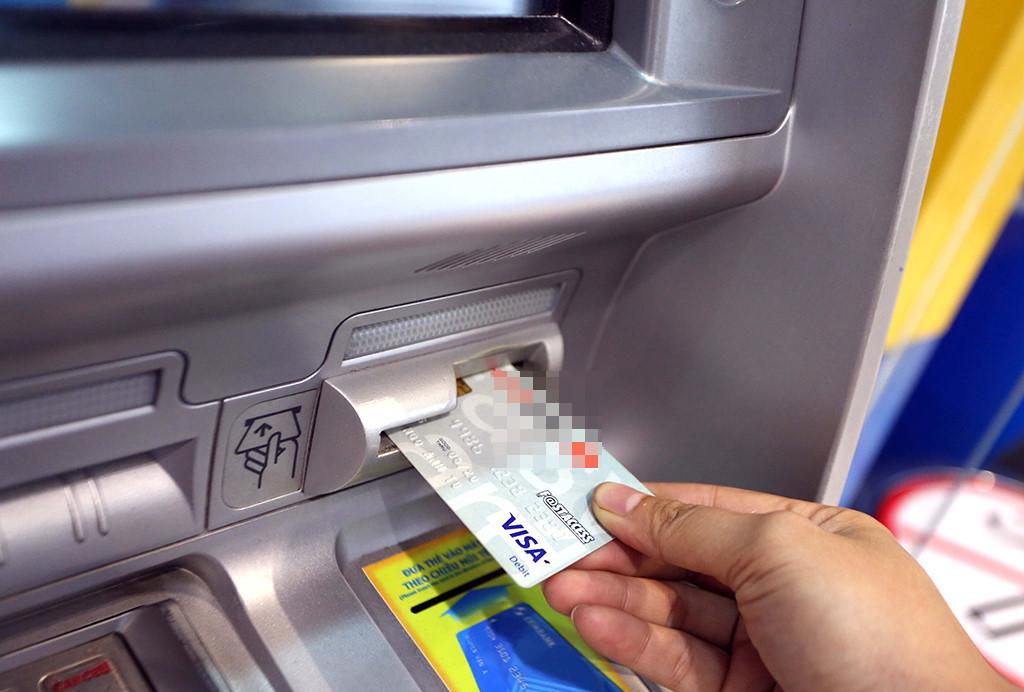 Có Cách rút tiền mặt từ thẻ tín dụng không mất phí không?