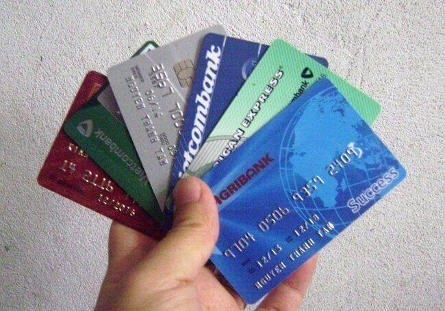 Danh sách những thẻ ngân hàng nào tiện lợi nhất hiện nay