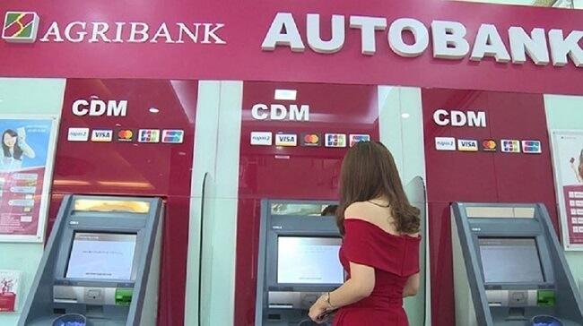 Phí rút tiền trên cây ATM của ngân hàng Agribank?