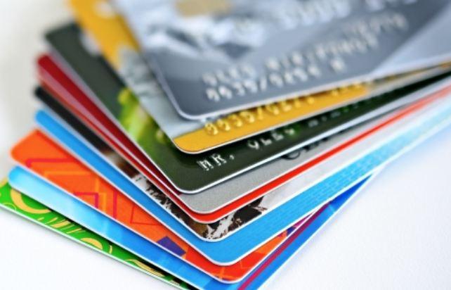 Thẻ ngân hàng nào dùng được ở nước ngoài như ở Việt Nam?