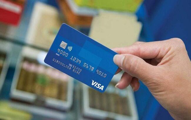 Thẻ ghi nợ được nhiều khách hàng sử dụng