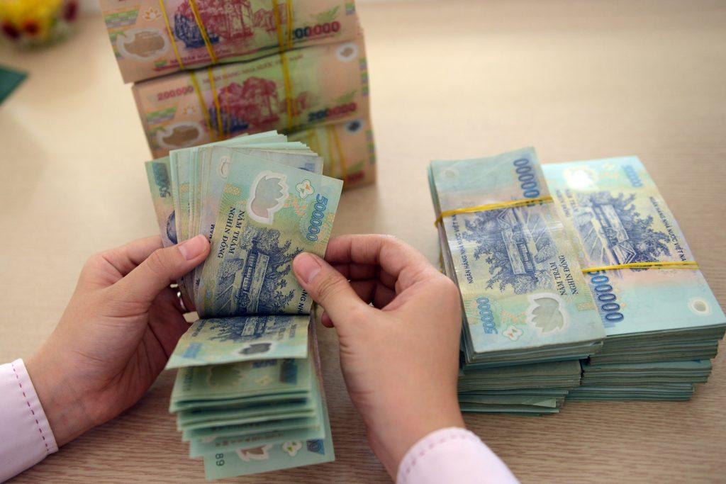 Vay ngân hàng 1 tỷ trả trong 10 năm lãi suất bao nhiêu?